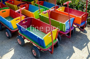 Bunte Bollerwagen